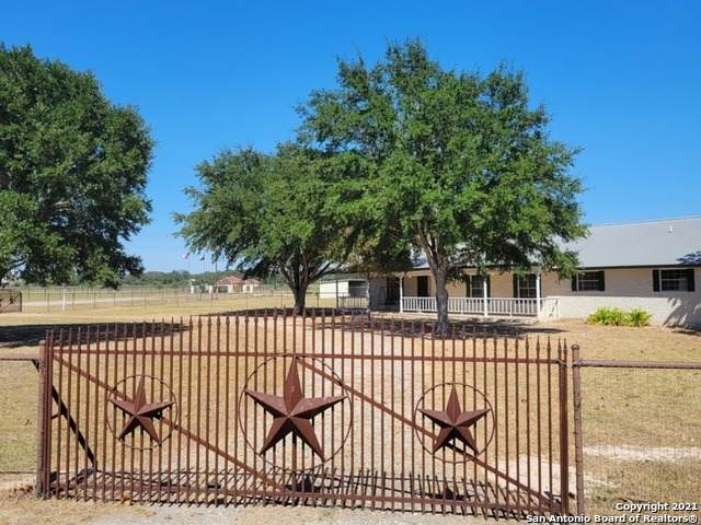 158 Shannon Ridge, Floresville, TX 78114 (MLS #1562066) :: 2Halls Property Team   Berkshire Hathaway HomeServices PenFed Realty