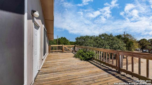 598 Inglewood Dr, Canyon Lake, TX 78133 (MLS #1562108) :: The Real Estate Jesus Team