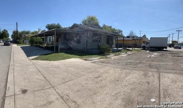 3102 Commercial Ave - Photo 1