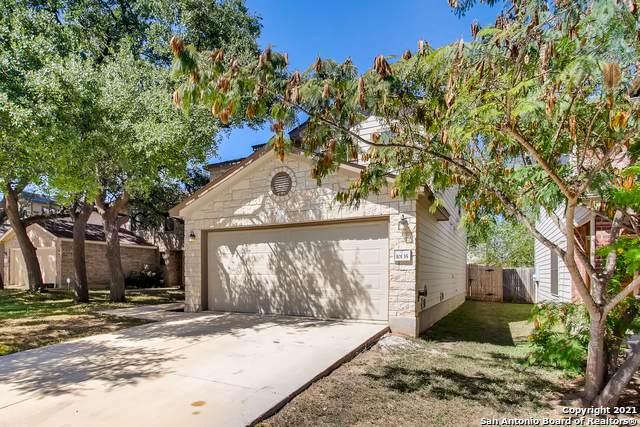 10135 Villa Del Lago, San Antonio, TX 78245 (MLS #1562150) :: Phyllis Browning Company