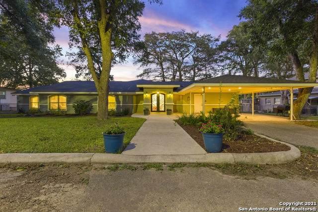 1317 E Zipp Rd, New Braunfels, TX 78130 (MLS #1562189) :: Phyllis Browning Company