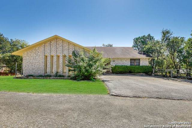 132 W Outer Dr, Canyon Lake, TX 78133 (MLS #1562200) :: Phyllis Browning Company