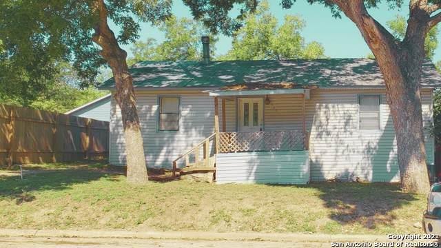 525 E Basel St, New Braunfels, TX 78130 (MLS #1562252) :: BHGRE HomeCity San Antonio