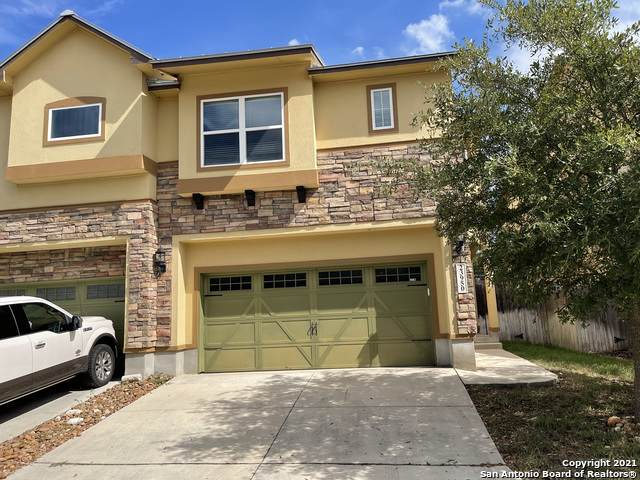 23950 Stately Oaks, San Antonio, TX 78260 (#1562355) :: The Perry Henderson Group at Berkshire Hathaway Texas Realty