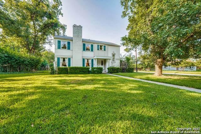 400 Canterbury Hill St, Terrell Hills, TX 78209 (MLS #1562357) :: The Gradiz Group