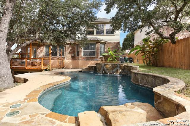 56 Montaigne, San Antonio, TX 78258 (#1562359) :: The Perry Henderson Group at Berkshire Hathaway Texas Realty