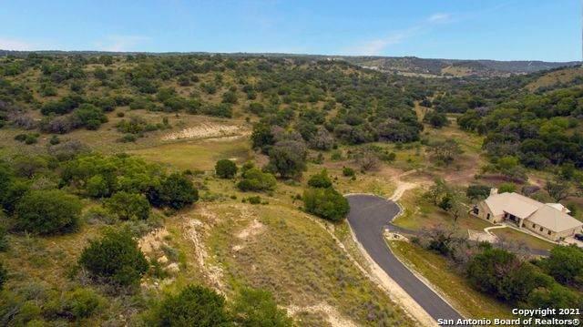 120 Stieler Springs Ln, Comfort, TX 78013 (MLS #1562408) :: NewHomePrograms.com