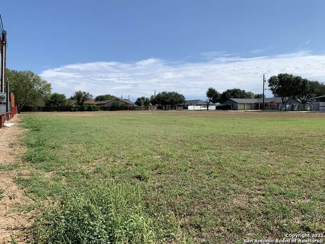 509 S Storts St, Poth, TX 78147 (MLS #1562582) :: Phyllis Browning Company
