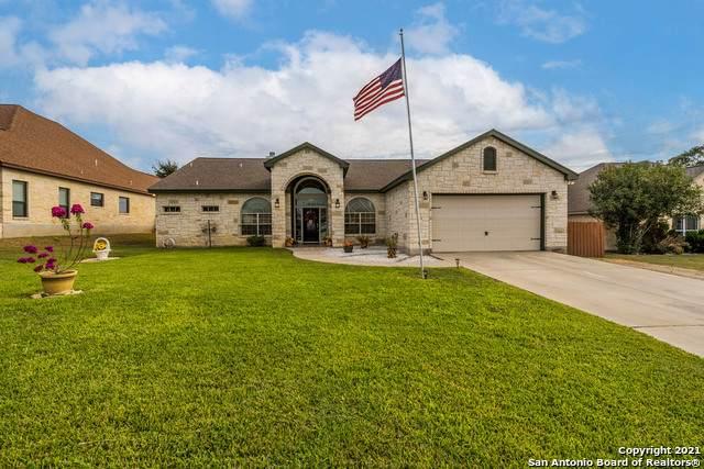 117 Parkcrest, Floresville, TX 78114 (MLS #1562711) :: Alexis Weigand Real Estate Group