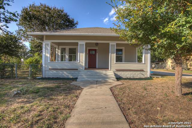 328 Terrell St, Seguin, TX 78155 (MLS #1562728) :: Alexis Weigand Real Estate Group