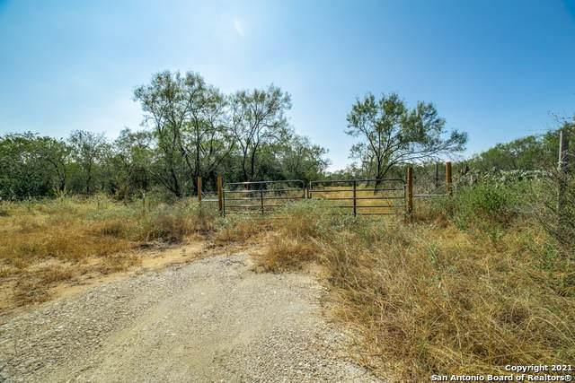 21162 Highway 16, Von Ormy, TX 78073 (MLS #1562770) :: Vivid Realty