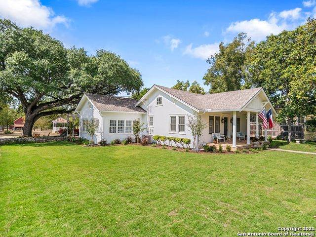 422 Seventh St, Comfort, TX 78013 (MLS #1562813) :: Alexis Weigand Real Estate Group