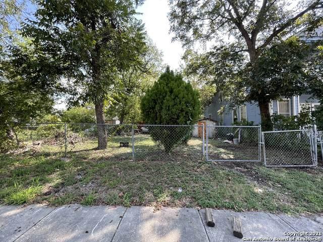 1722 N Olive St, San Antonio, TX 78208 (MLS #1562847) :: Beth Ann Falcon Real Estate