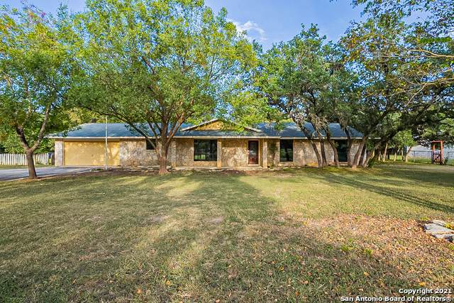 28346 Thomas Dr, Boerne, TX 78006 (MLS #1562897) :: Alexis Weigand Real Estate Group