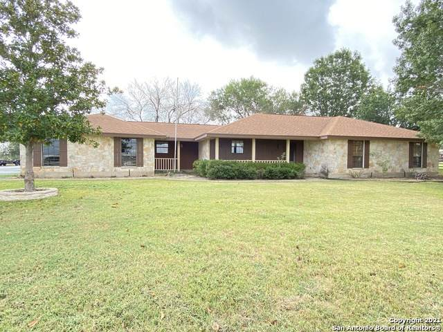 254 E County Line Rd, New Braunfels, TX 78130 (MLS #1562924) :: Alexis Weigand Real Estate Group