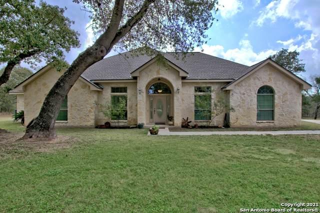 332 Polly Ln, La Vernia, TX 78121 (MLS #1563123) :: Concierge Realty of SA