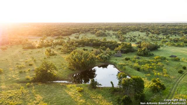 TRACT #10 Twin Oaks Drive, Round Mountain, TX 78663 (MLS #1563127) :: Vivid Realty