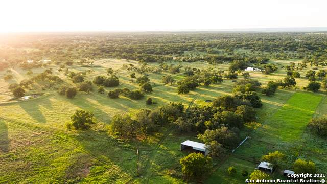 TRACT #22 Twin Oaks Drive, Round Mountain, TX 78663 (MLS #1563146) :: Vivid Realty