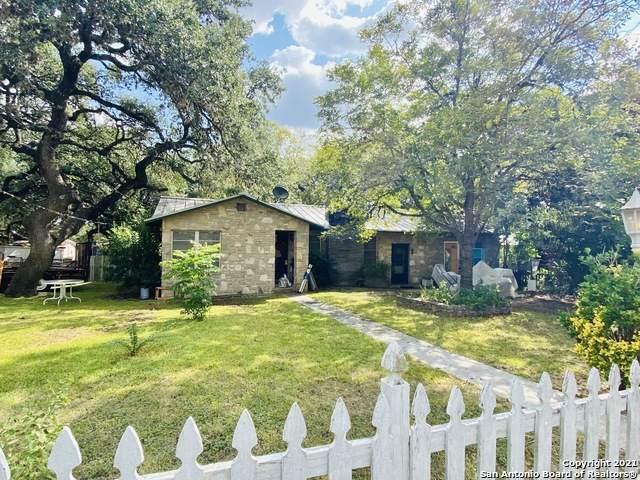 227 W Highland Dr, Boerne, TX 78006 (MLS #1563191) :: Carter Fine Homes - Keller Williams Heritage