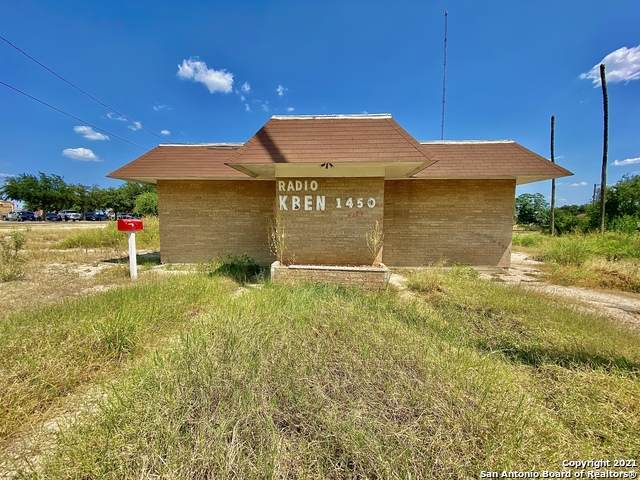 203 S 4th St, Carrizo Springs, TX 78834 (MLS #1563292) :: Phyllis Browning Company