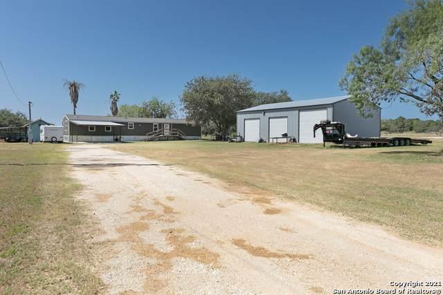 18065 County Road 163, Elmendorf, TX 78112 (MLS #1563354) :: Phyllis Browning Company
