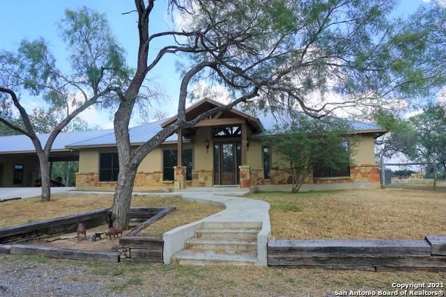 1039 Cr 339, Jourdanton, TX 78026 (MLS #1563429) :: Beth Ann Falcon Real Estate