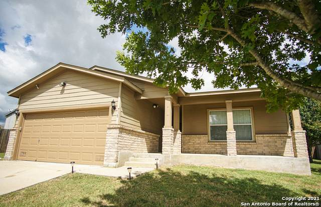 738 Crosspoint Dr, New Braunfels, TX 78130 (MLS #1563471) :: The Lopez Group