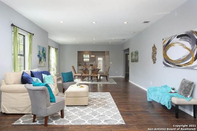 1045 W Mistletoe Ave, San Antonio, TX 78201 (MLS #1563579) :: Alexis Weigand Real Estate Group