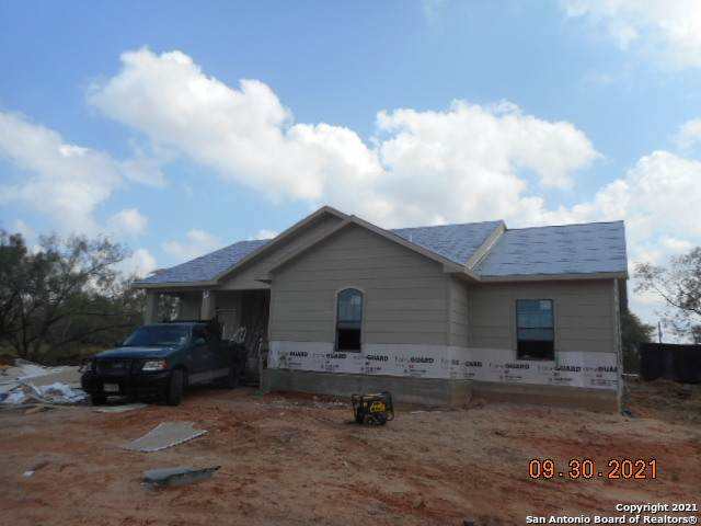 141 Cr 2667, Moore, TX 78057 (MLS #1563597) :: The Lopez Group