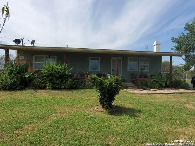 10491 E Loop 1604 S, San Antonio, TX 78263 (MLS #1563760) :: Beth Ann Falcon Real Estate