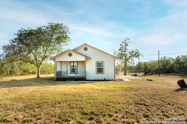 3019 W Ditto Rd, Poteet, TX 78065 (MLS #1563834) :: Beth Ann Falcon Real Estate