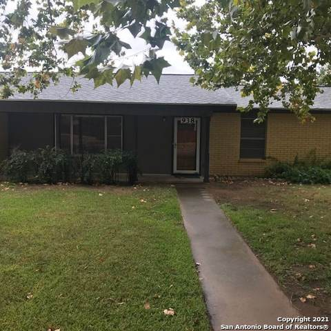 938 Betty Louise, Poteet, TX 78065 (MLS #1563917) :: Alexis Weigand Real Estate Group