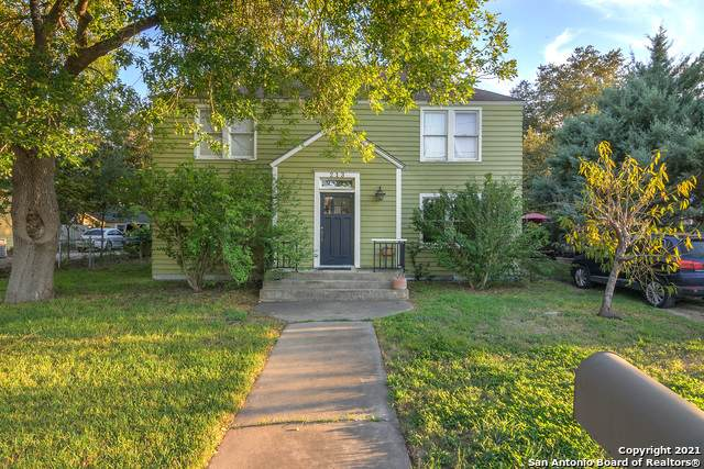 213 E College St, Seguin, TX 78155 (MLS #1563940) :: Phyllis Browning Company