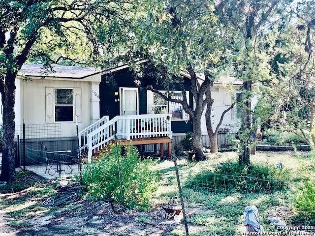 1700 Laguna, Spring Branch, TX 78070 (MLS #1564075) :: Phyllis Browning Company