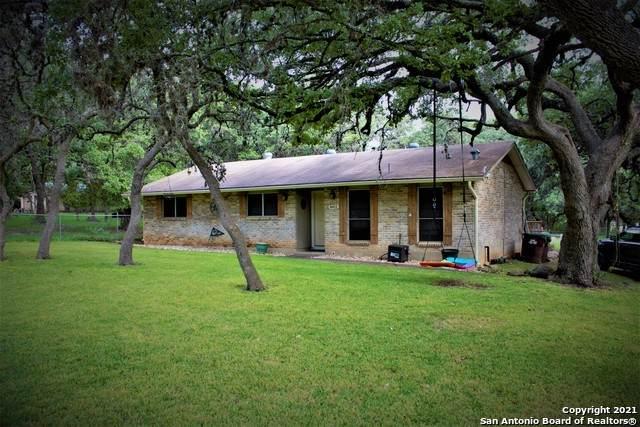 8411 Flint Rock Dr, Boerne, TX 78006 (MLS #1564266) :: The Lopez Group