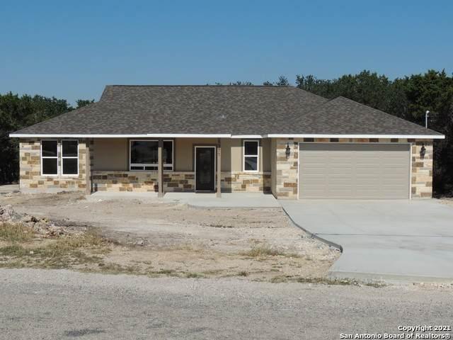 1371 Heritage Hill, Canyon Lake, TX 78133 (MLS #1564361) :: BHGRE HomeCity San Antonio