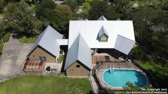 1990 Flaming Oak Dr, New Braunfels, TX 78132 (MLS #1564384) :: Carter Fine Homes - Keller Williams Heritage