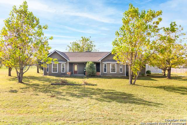160 Rock Dove Dr, Lytle, TX 78052 (MLS #1564639) :: Concierge Realty of SA