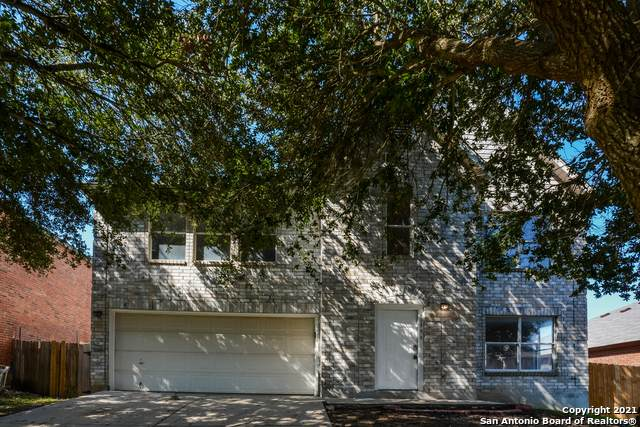 8035 Robbins Glade, Converse, TX 78109 (MLS #1564670) :: Alexis Weigand Real Estate Group