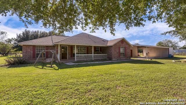 15563 S Skaggs Rd, Atascosa, TX 78002 (MLS #1564690) :: Countdown Realty Team