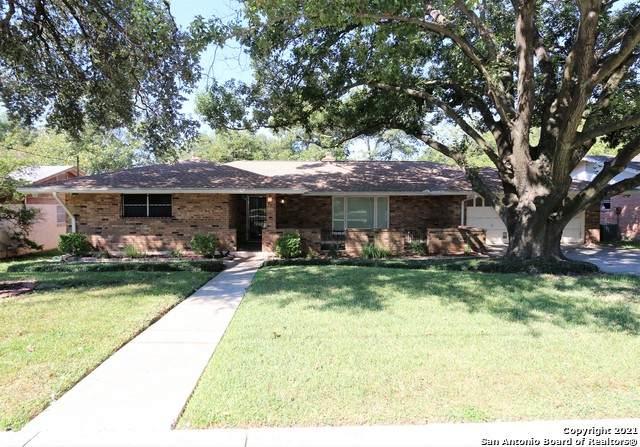 3711 Skyridge Ave, San Antonio, TX 78210 (MLS #1564698) :: Phyllis Browning Company