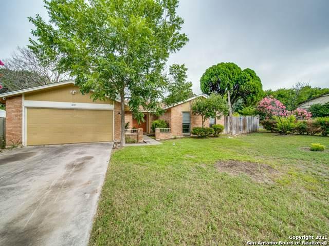 8315 Greenham, San Antonio, TX 78239 (MLS #1564743) :: Alexis Weigand Real Estate Group