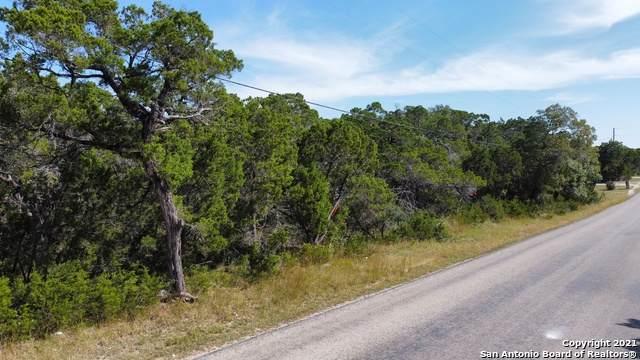 6136 Tanglewood Trail, Spring Branch, TX 78070 (MLS #1564744) :: Beth Ann Falcon Real Estate