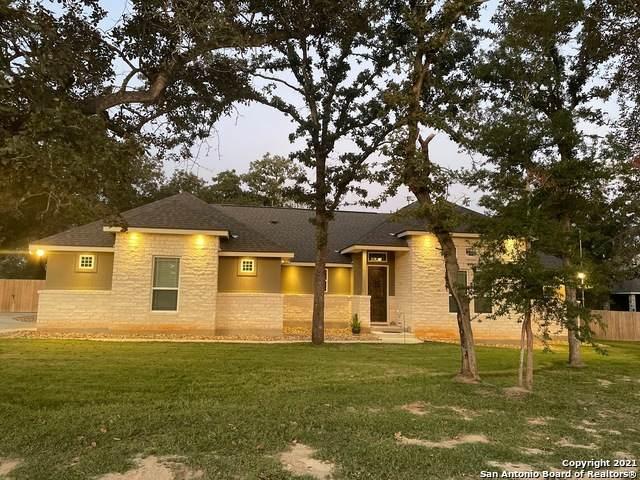 104 Owen Ridge Dr, La Vernia, TX 78121 (MLS #1564796) :: ForSaleSanAntonioHomes.com