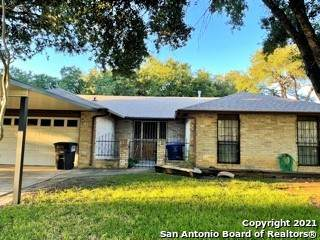 6759 Country Field Dr, San Antonio, TX 78240 (MLS #1564832) :: The Gradiz Group