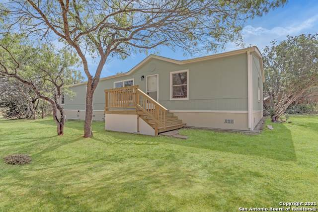 2398 County Road 306, Floresville, TX 78114 (MLS #1564907) :: Carter Fine Homes - Keller Williams Heritage