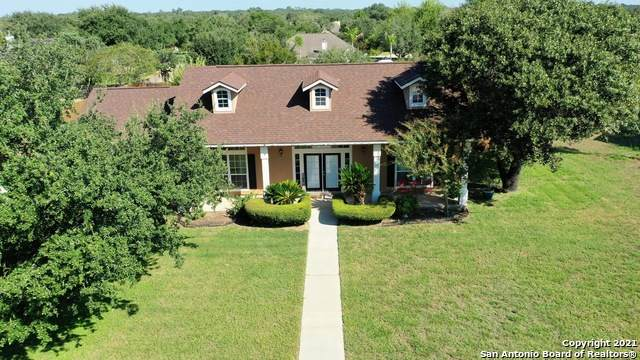 1616 Parkview Dr, Pleasanton, TX 78064 (#1564910) :: The Perry Henderson Group at Berkshire Hathaway Texas Realty