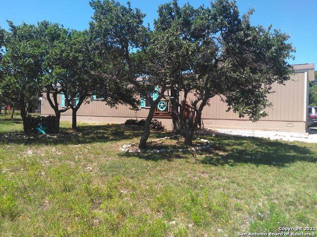 214 Louise Ln, Mountain Home, TX 78058 (MLS #1564916) :: Phyllis Browning Company