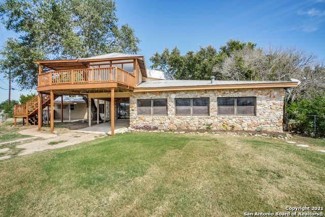 810 Roadrunner Spur, Canyon Lake, TX 78133 (MLS #1565051) :: ForSaleSanAntonioHomes.com
