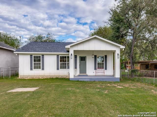 1313 Main St, Jourdanton, TX 78026 (MLS #1565091) :: Beth Ann Falcon Real Estate